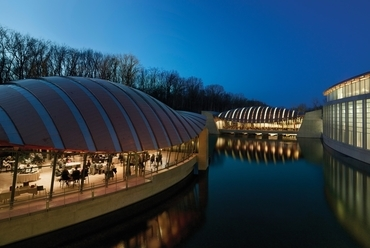 Crystal Bridges Museum of American Art, Bentonville, Arkansas, USA (2011) - forrás: safdiearchitects.com