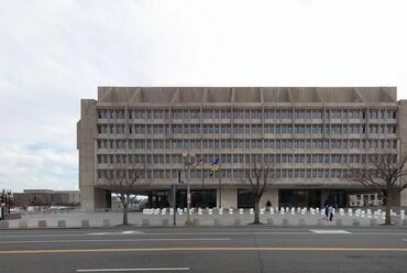 United States Department of Health and Human Services, építész: Breuer Marcell. Forrás: Wikimedia Commons